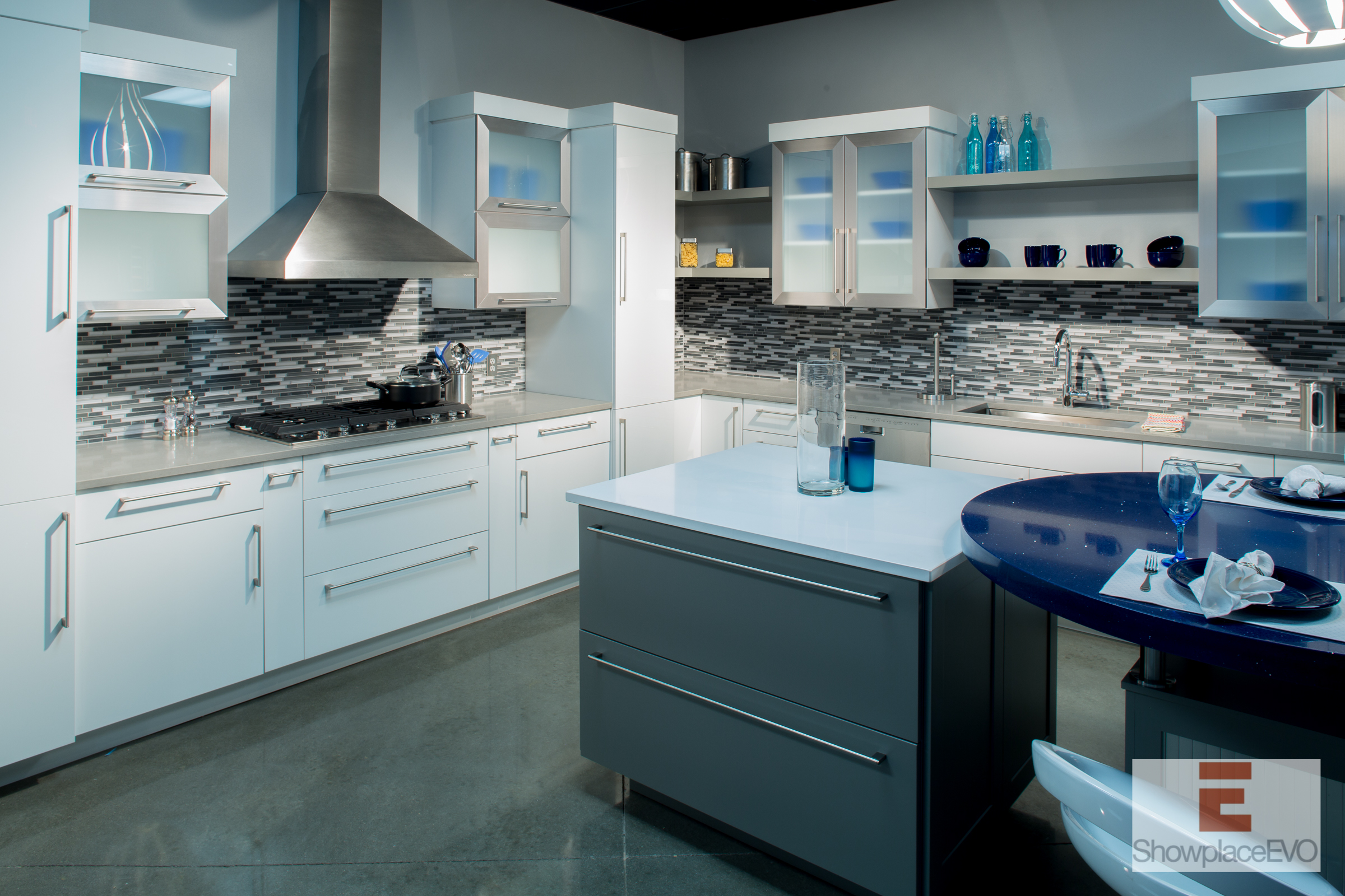 Showplace Evo Full Access Cabinetry Duet